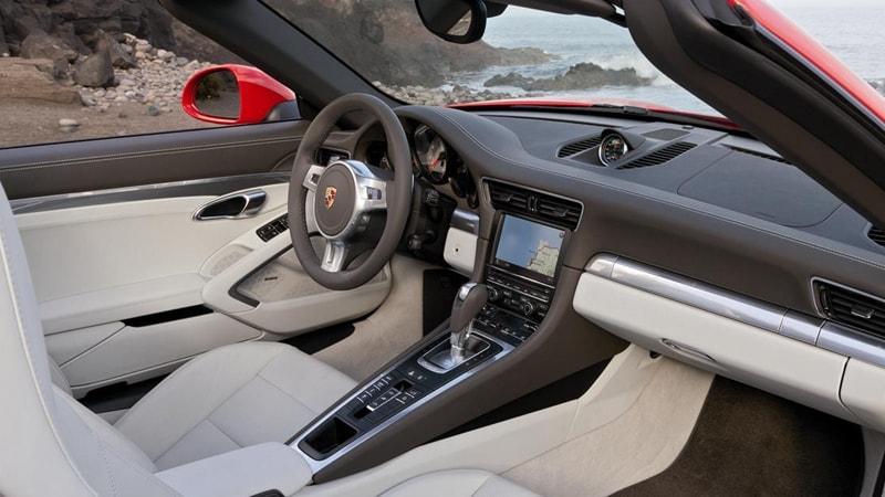 Porsche 911 Carrera 4S Cabrio Interior